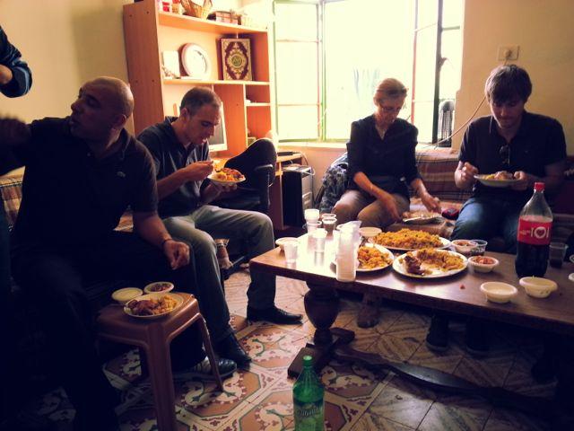 filistinli-ailede-yemek