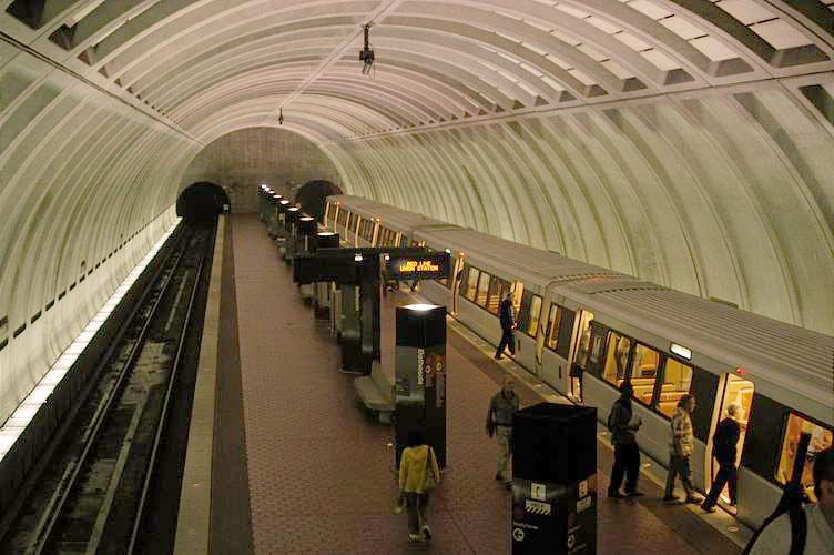 washington-metro-platform